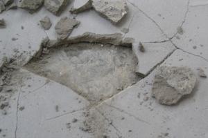 linoleum-praha - špatně zpracovaná nivelační stěrka